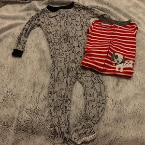 GUC Carter's Zip n Play Baby Boy Dogs Size 18 Mo